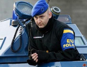 A szerbek megint feltartóztatták az EULEX gépjárműveit - A cikkhez tartozó kép