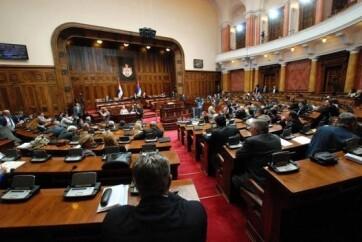 A szerbiai parlament elfogadta a magyarok ellen elkövetett bűntényeket elítélő nyilatkozatot - A cikkhez tartozó kép