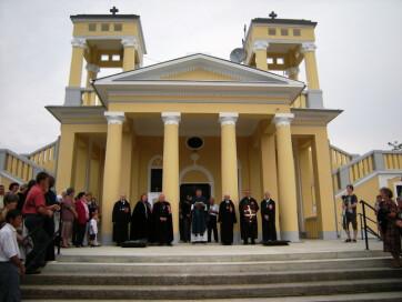 Nemesmilitics: A falu plébánosa megáldotta a felújított kápolnát - A cikkhez tartozó kép