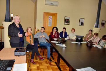 Magyarkanizsa: Kerekasztal-beszélgetés a családon belüli erőszakról és a nők bántalmazásáról - A cikkhez tartozó kép