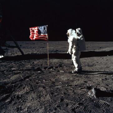 Negyvenöt év után újra ember léphet a Holdra - A cikkhez tartozó kép