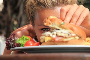A lassan evő emberek kisebb valószínűséggel híznak el - A cikkhez tartozó kép