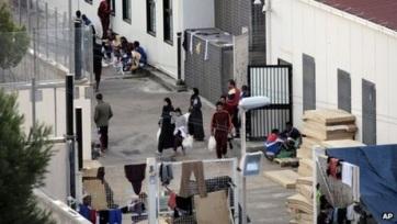 Az olasz belügyminisztérium elrendelte a lampedusai migránstábor bezárását - A cikkhez tartozó kép