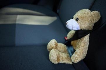 Szigorodó törvény Szerbiában: Százezres bírság, ha nincs gyerekülés a kocsiban - A cikkhez tartozó kép