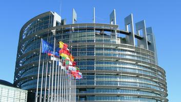Bírálják a magyarországi helyzetet az EP költségvetés-ellenőrzési bizottságának véleményében - illusztráció