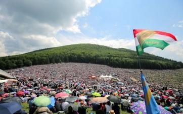 Napi fotó: Százezrek gyűltek össze szombaton...