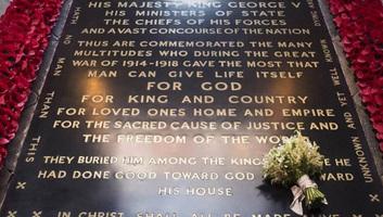 Meghan hercegné esküvői csokra egy ismeretlen katona sírjára került - illusztráció