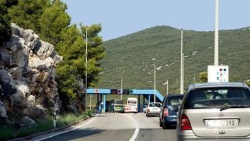 Montenegrói belügyminisztérium: A határforgalom zavartalan, a belépés feltételei változatlanok - illusztráció