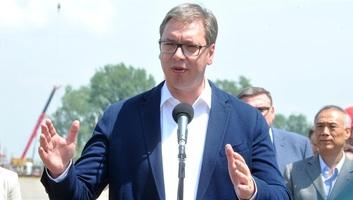 Vučić: Hatályon kívül helyezik az ideiglenes nyugdíjcsökkentésről szóló törvényt - illusztráció