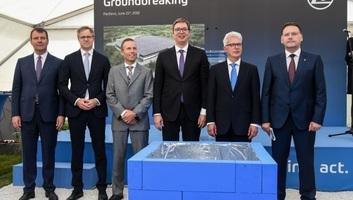 Pancsován lerakták a ZF Friedrichshafen AG cég leendő üzemének alapkövét - illusztráció
