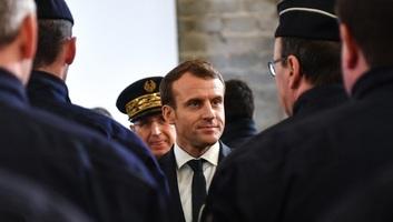 Franciaország: Macron népszerűsége emelkedett a jobboldalon, visszaesett a baloldalon - illusztráció