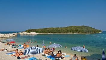 Elmaradtak a júliusban várt tömegegek a horvát tengerparton - illusztráció