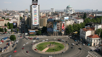 Öngyilkosság Belgrád központjában: Egy nő leugrott a Slavija hotel tetejéről - illusztráció