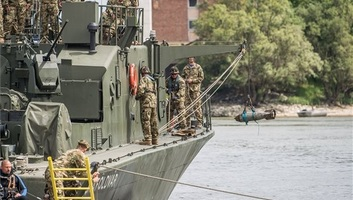 Vasmacska: Magyar-szerb flottillagyakorlatot tartottak a Dunán - illusztráció