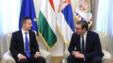 Vučić az európai integrációról és a migránsokról tárgyalt Szijjártó Péterrel - A cikkhez tartozó kép
