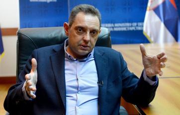 Napi fotó: A szerb védelmi miniszter ismét harci...