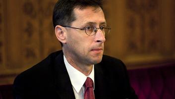 Varga: Az eddigi legalacsonyabb kamat mellett bocsátott ki eurókötvényt Magyarország - illusztráció