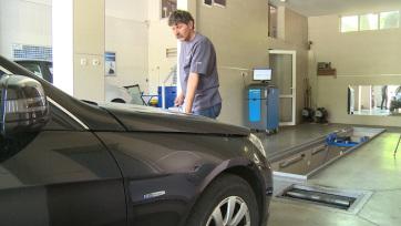 Jó hír a szerbiai sofőröknek: Megszüntetik az öregebb járművek évi kétszeri műszaki vizsgáját - A cikkhez tartozó kép