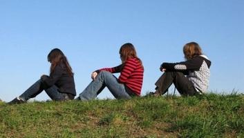 A szerbiai fiatalok egyharmada továbbra is külföldön látja a jövőjét - illusztráció