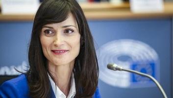 Uniós biztosok: Az Európai Bizottság határozottan kiáll a szólásszabadság és a médiaszabadság védelmében - illusztráció