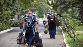 Magyar rendőrök utaztak Macedóniába és Szerbiába a határok védelmére - illusztráció