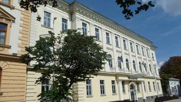 Hat év fegyházra ítéltek egy szerb embercsempészt Szekszárdon - illusztráció