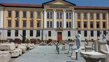 A bíróság elutasította a gyulafehérvári római katolikus gimnázium épületének a visszaszolgáltatását - illusztráció
