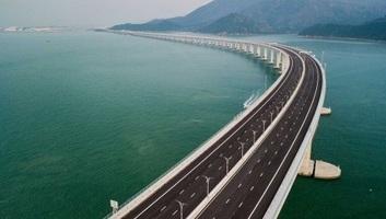 Felavatták a világ leghosszabb tengeri hídját - illusztráció