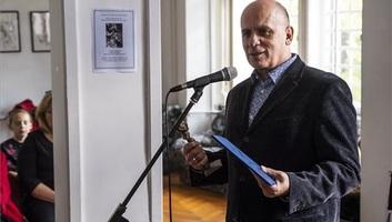 Kontra Ferenc  kapta az Arany János-díjat - illusztráció