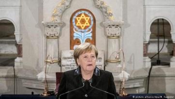 Merkel: Fel kell lépni a nyílt társadalmat fenyegető támadásokkal szemben - A cikkhez tartozó kép