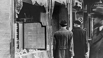 A fasizmus és antiszemitizmus elleni küzdelem napja: 80 éve történt a Kristályéjszaka - illusztráció