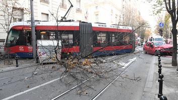Belgrád: Kisiklott a villamos, egy személy meghalt - illusztráció