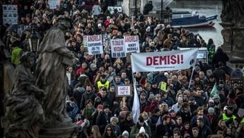 Andrej Babiš kormányfő távozását követelték Prágában - illusztráció