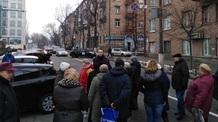 Útelzárásokkal tiltakoznak a magas benzinárak és közműdíjak ellen Kárpátalján - illusztráció