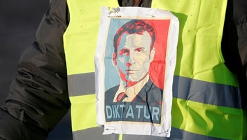Folytatódik a francia civilek tiltakozó mozgalma az üzemanyag adójának emelése miatt, a fuvarozók nem csatlakoznak - illusztráció