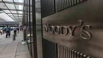 Magyarország államadós-besorolását vizsgálja a héten a Moody's - illusztráció