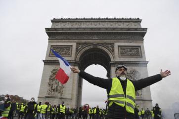 A francia kormányfő bejelentette az üzemanyagadó befagyasztását - A cikkhez tartozó kép
