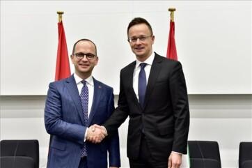 Szijjártó: Magyarország növeli afganisztáni és koszovói szerepvállalását - A cikkhez tartozó kép