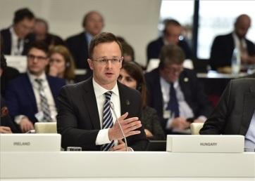 Szijjártó: Az ENSZ ugyanazt a hibát követi el a migrációs csomaggal, mint az EU a kvótákkal - A cikkhez tartozó kép
