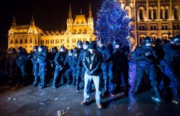 Napi fotó: Budapesten a rendbontók a...