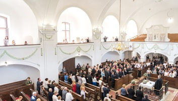 Félmilliárd forintos támogatást kapnak kárpátaljai egyházi líceumok - illusztráció