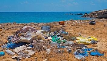 Megállapodtak az EU intézményei a műanyaghulladék mennyiségének visszaszorítását célzó szabályokról - illusztráció