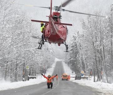 Továbbra is súlyos gondokat okoz a havazás Bajorországban - A cikkhez tartozó kép