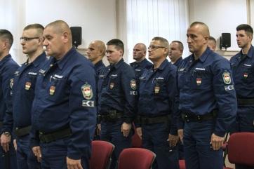 Magyar rendőri kontingens indult Szerbiába és Macedóniába - A cikkhez tartozó kép