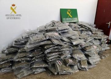 Rekordmennyiségű marihuánát fogtak a spanyol rendőrök - A cikkhez tartozó kép