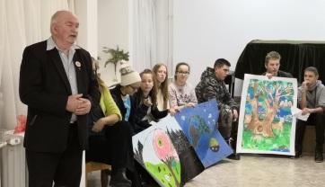 """Učenici Sente: """"Sadi drveće! Zaštiti prirodu!"""" - A cikkhez tartozó kép"""