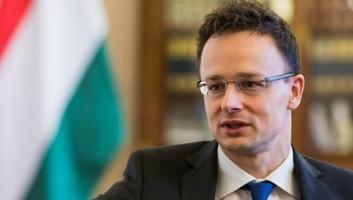 Szijjártó: Megakadályozzuk, hogy Brüsszel végrehajtsa az ENSZ migrációs csomagját - illusztráció