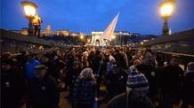 Összefogásra szólítottak és a kormánynak üzentek a budapesti tüntetésen a fiatalok - illusztráció
