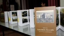 Könyvbemutató Kishegyesen: Tarlóról fúj a szél - illusztráció
