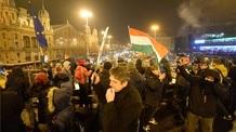 A Legfőbb Ügyészség tevékenysége ellen tüntettek több százan Budapesten - illusztráció